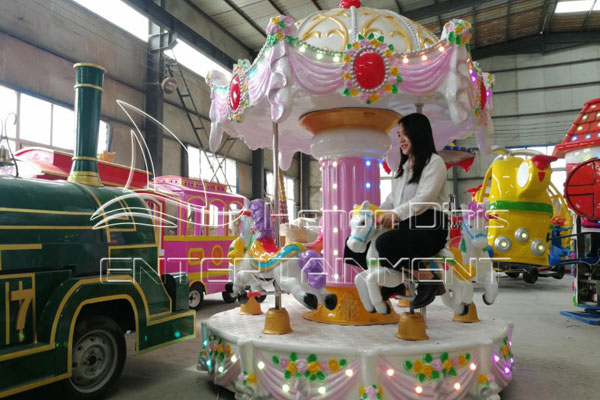 Amusement Park Christmas Themed Carousel Rides for Sale Manufactured in Dinis