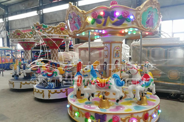 High-quality Park Carousel Roundabout Horses for Sale Cheap in Dinis