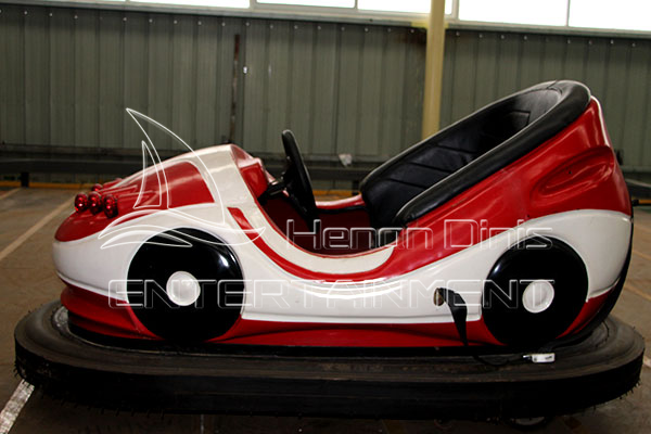 Battery Powered Dashing Car Rides for Carnivals, Funfairs, Playgrounds and Parks in Dinis Factory