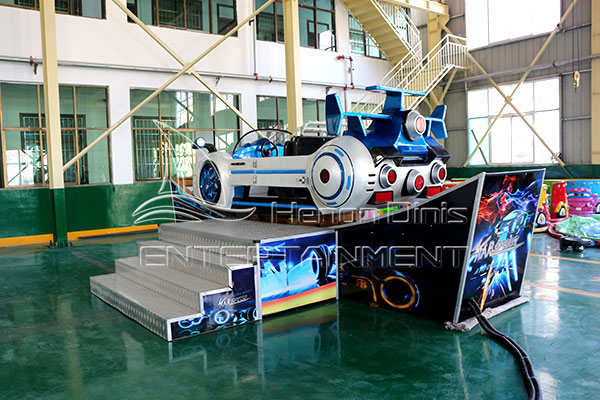Commercial Amusement Flying Car Rides with Beautiful Lights for Sale at Low Costs in Dinis Plant