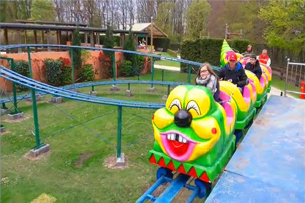 Amusement Park kiddie Worm Roller Coaster Ride is the Most Popular Theme Park Ride in Theme Parks