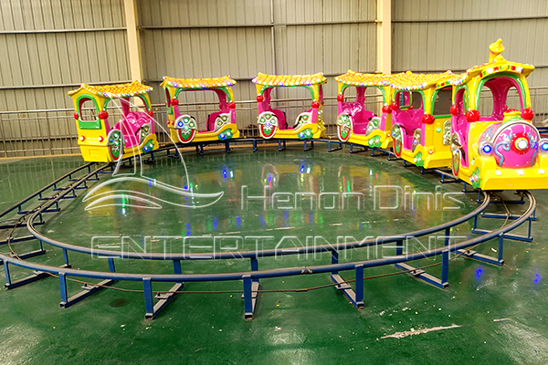 Park Playground Equipment Train with Tracks for Sale Favored by Kids at Little Ages