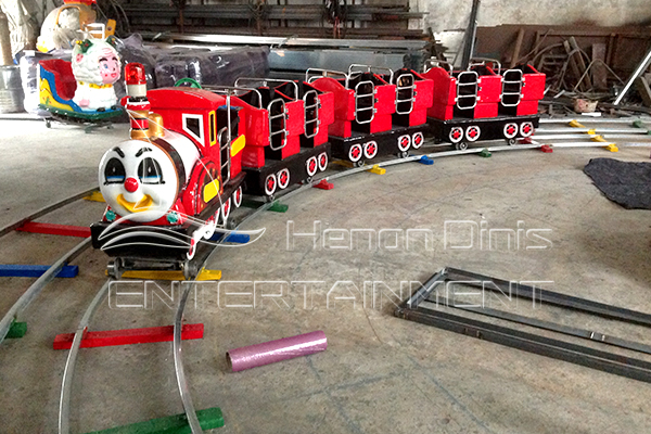 Popular Rideable Mini Trains Rides Displayed in Dinis's Exhibition Hall