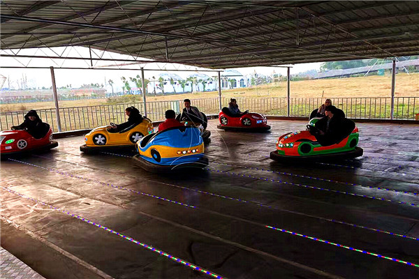 Purchase Portable Battery Bumper Car Rides at Low Costs from Dinis to Recover Costs and Get Profits